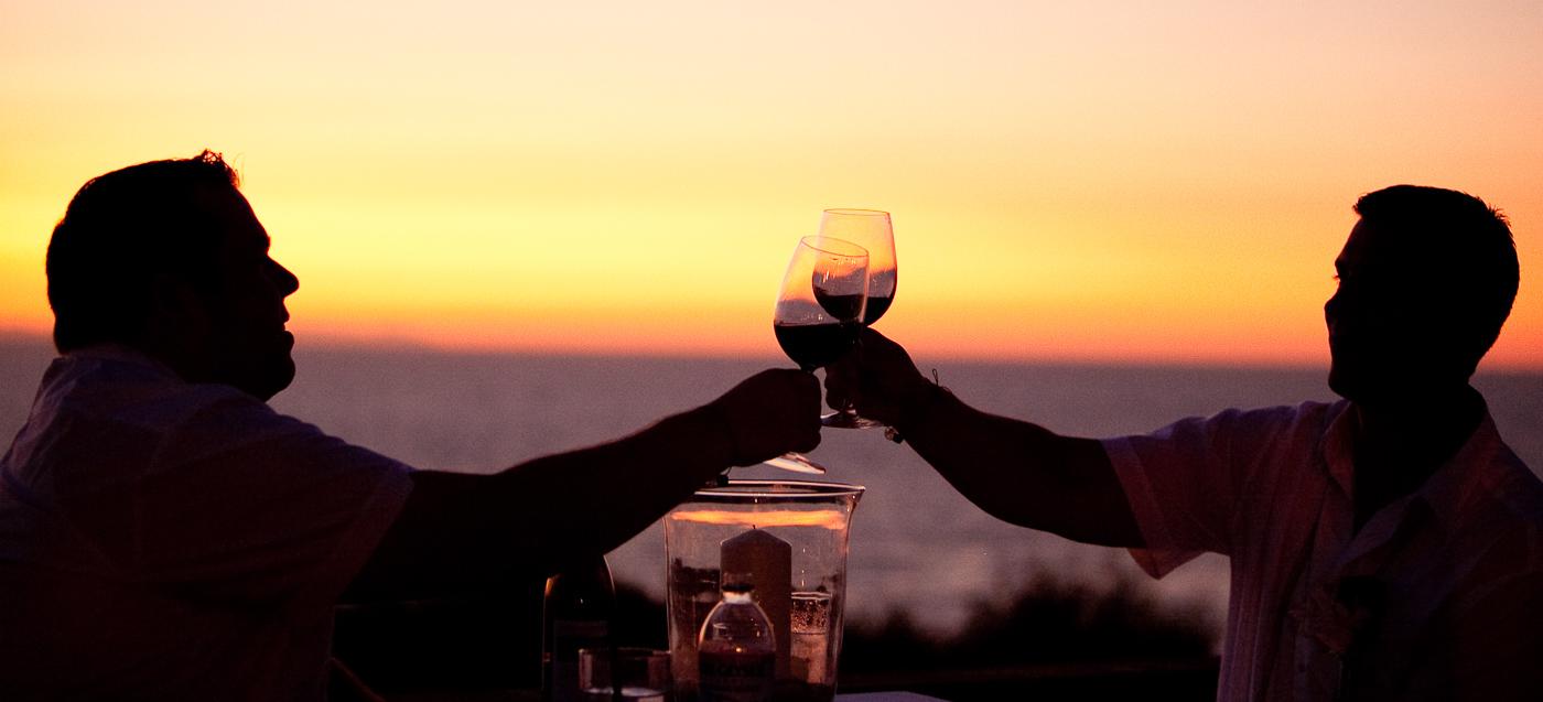 grooms wine sunet