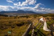 Couple in Colorado fall