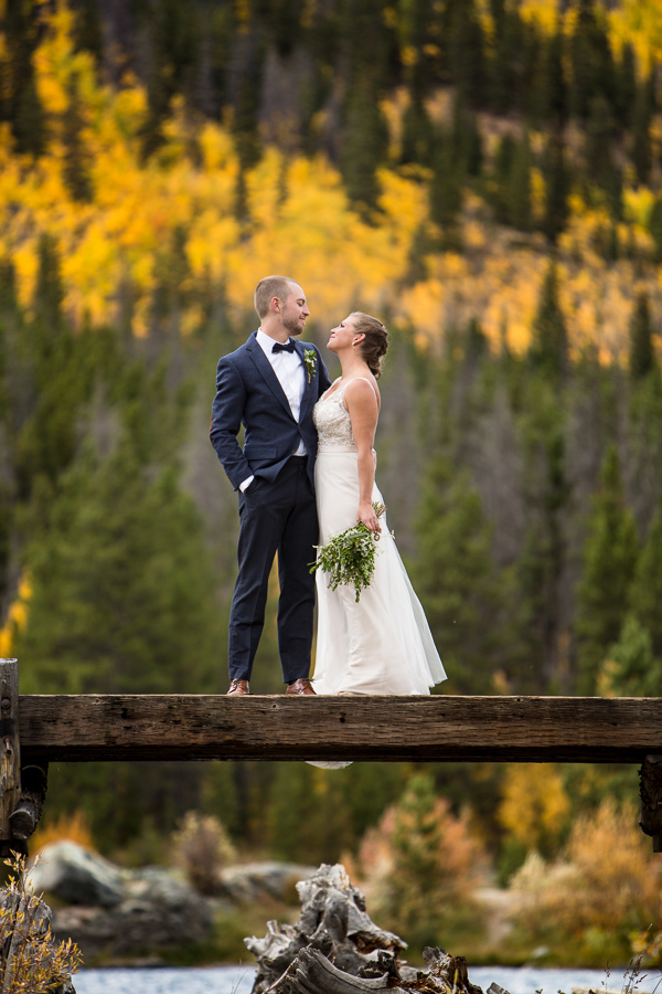 bride and groom fall colorado